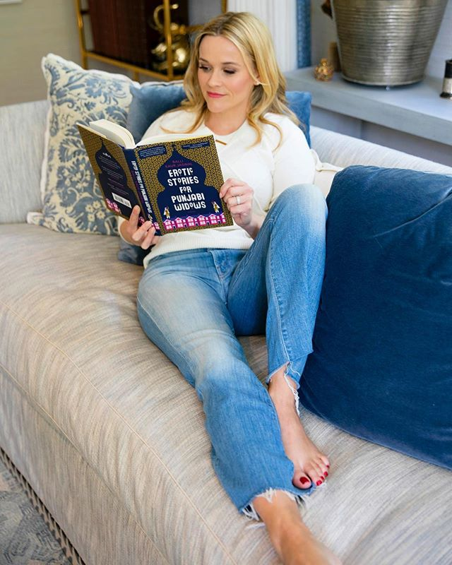 Reese-Witherspoon-BookClub-1